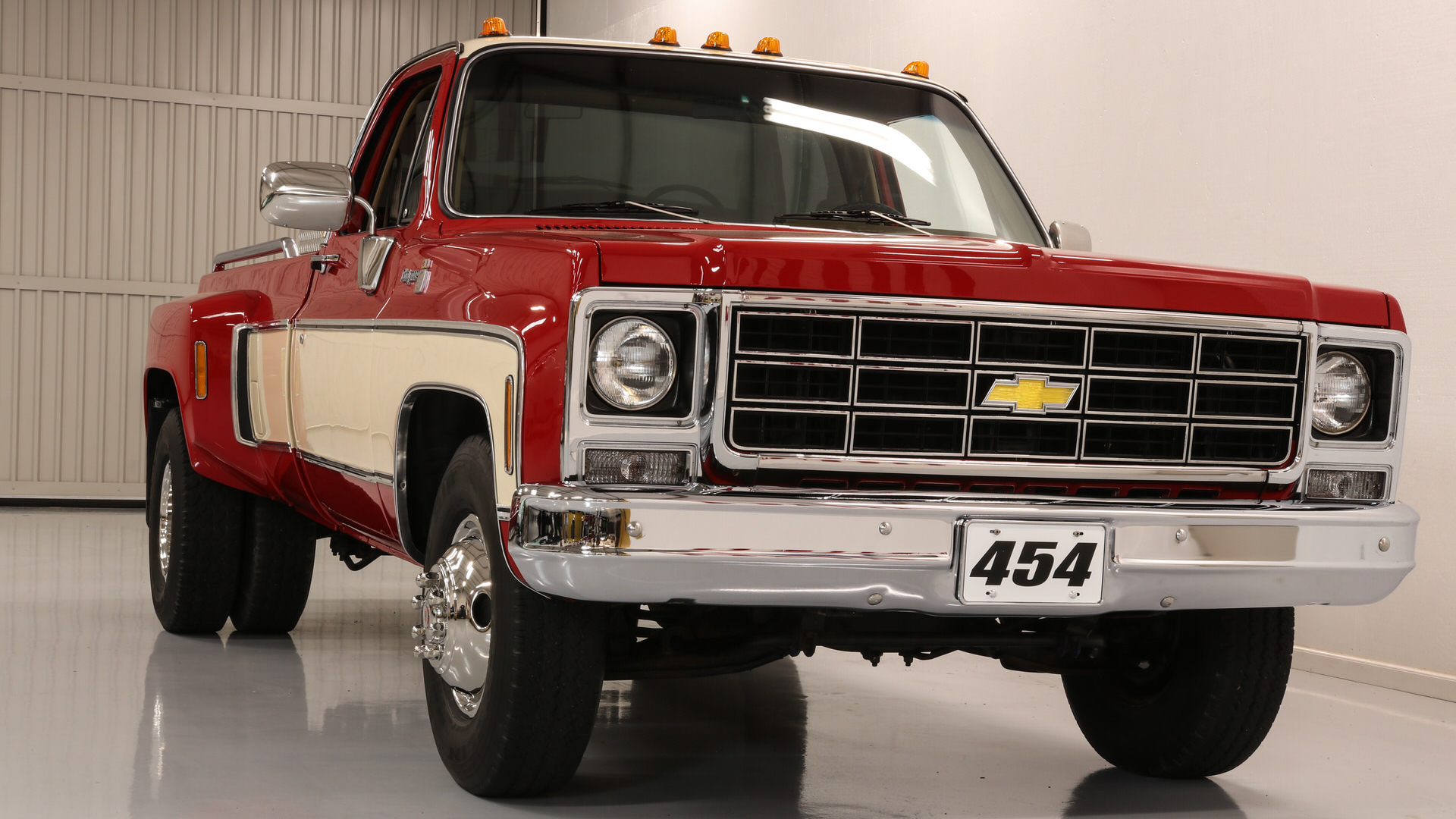 1979 Chevy truck square body Dually Cheyenne 454